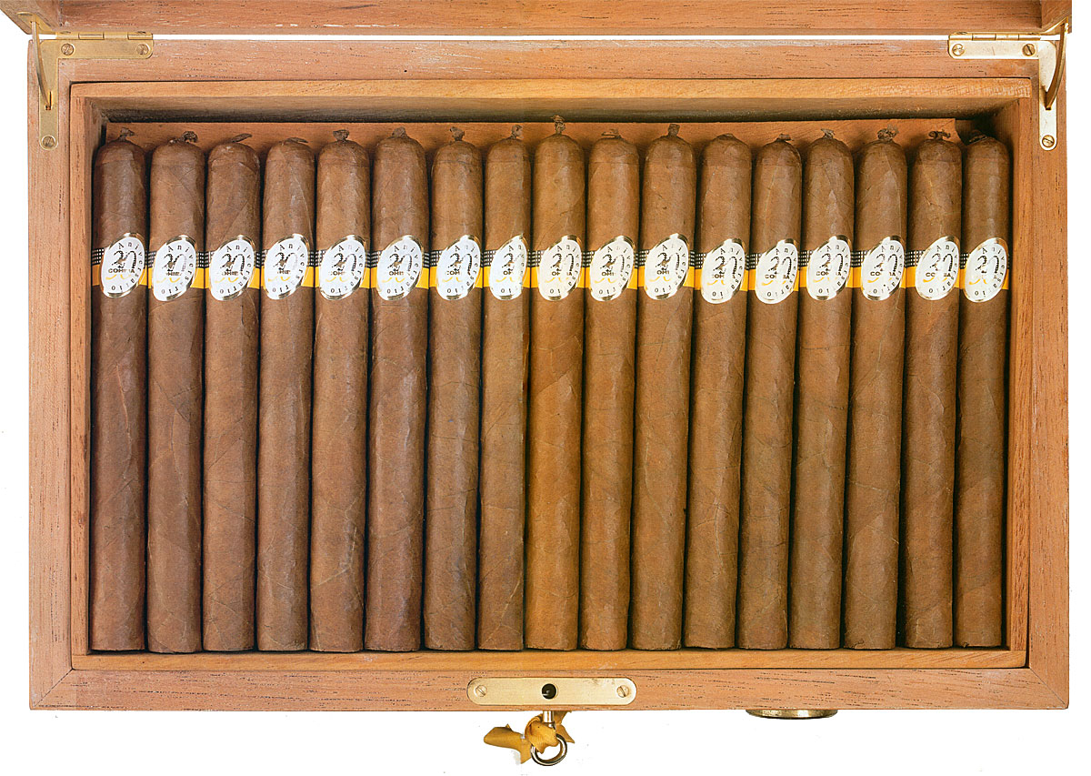 Cohiba 30 Aniversario Humidor packaging