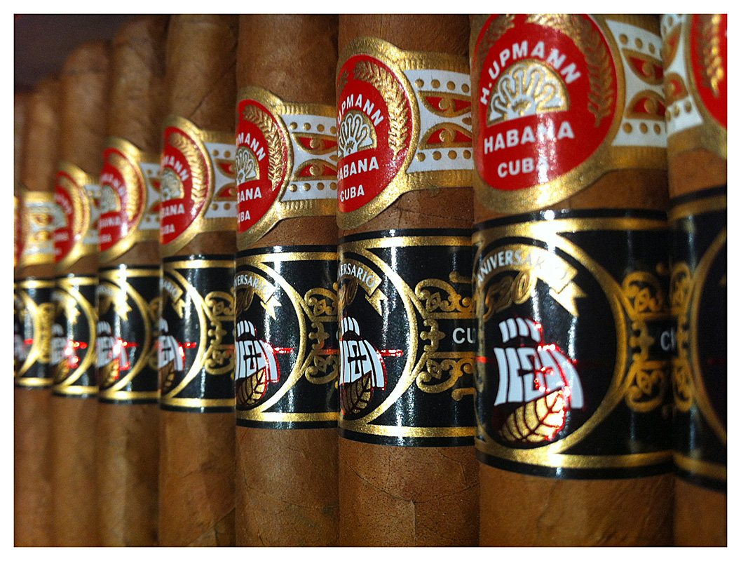 H. Upmann 520 Aniversario packaging